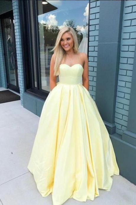 Charming Yellow Sweetheart Prom Dress with Pockets